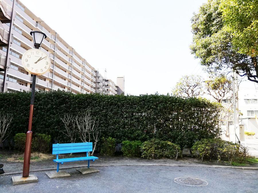 東三はなみずき児童公園 植え込み