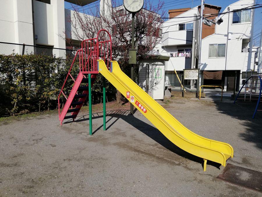 南六郷一丁目児童公園 すべり台
