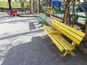 たいよう児童公園 ベンチ