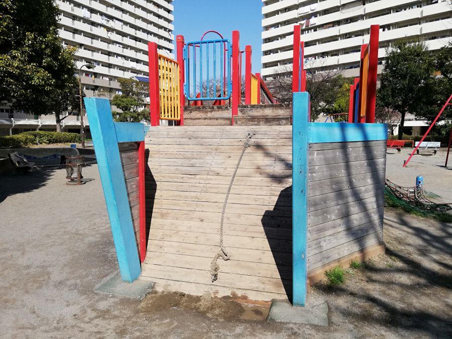 南六郷公園 遊具