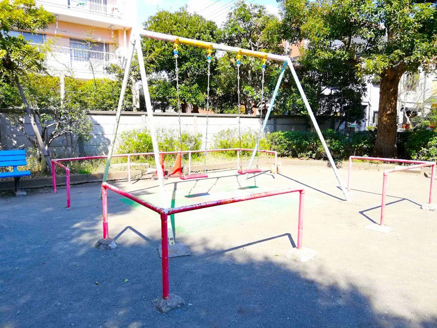 本羽田三丁目西児童公園 遊具