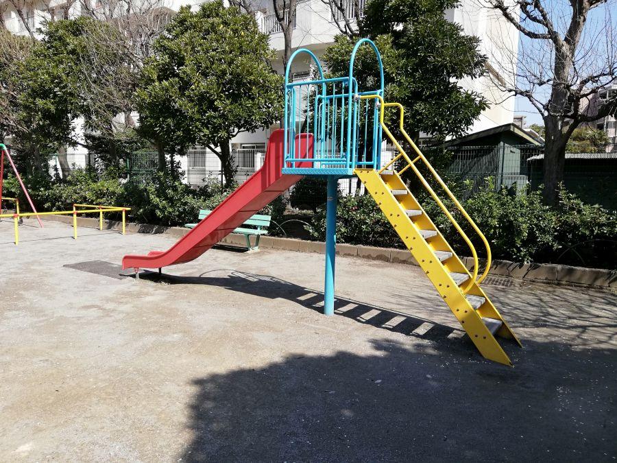 八幡塚公園 遊具