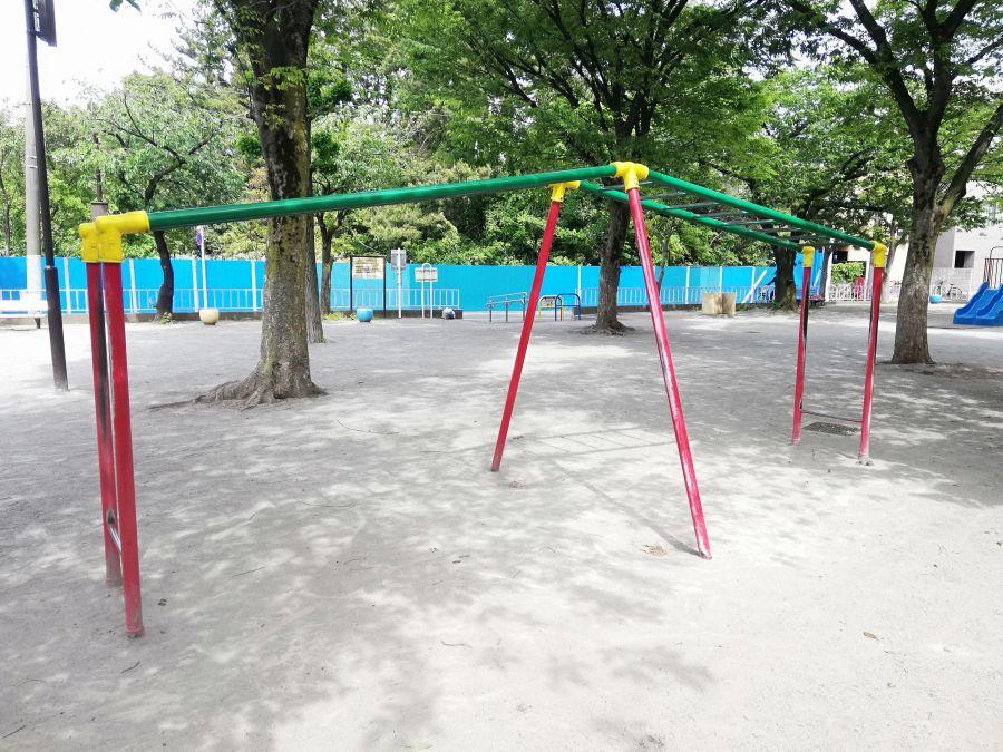 西糀谷三丁目児童公園 遊具