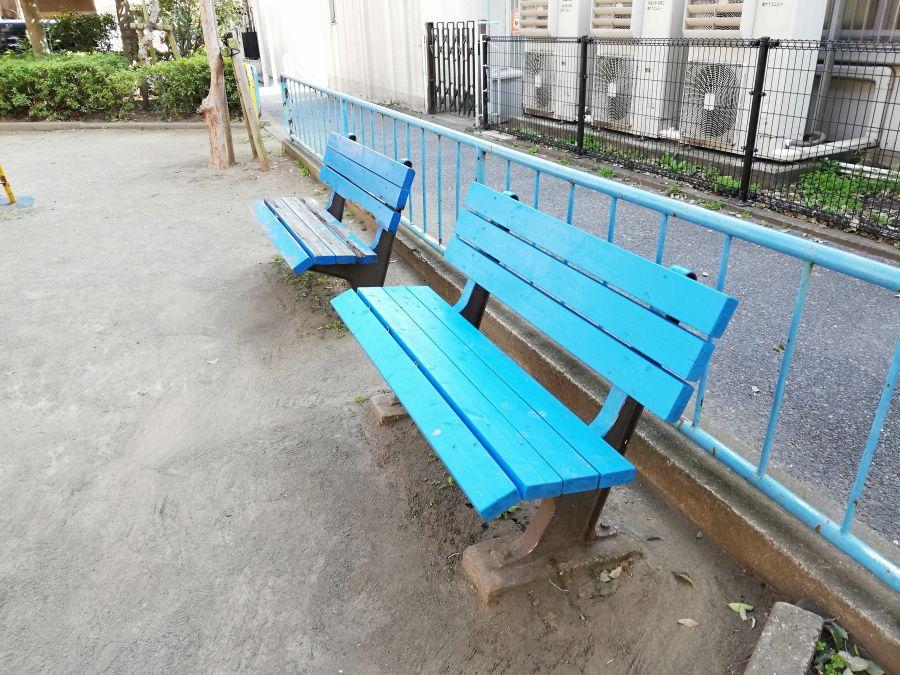 本羽田三丁目西児童公園 ベンチ