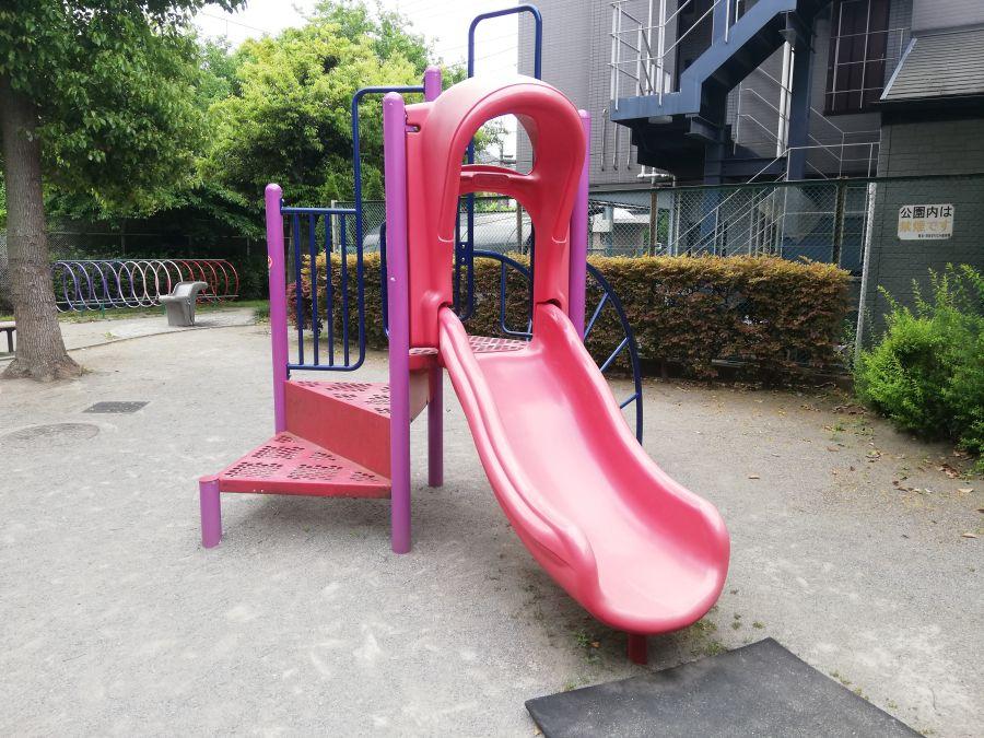 西糀谷一丁目児童公園 すべり台