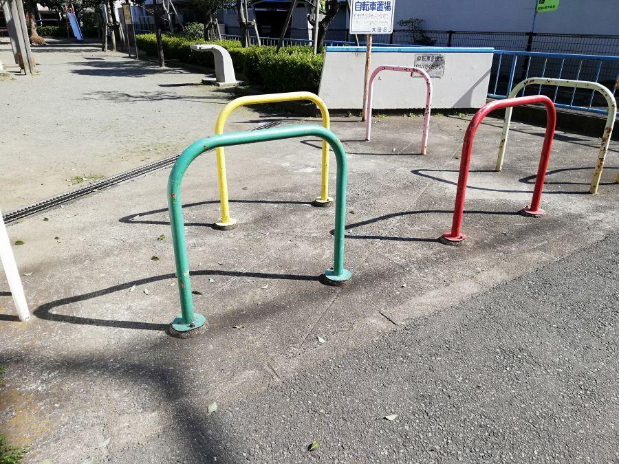 本羽田三丁目西児童公園 入口 駐輪場