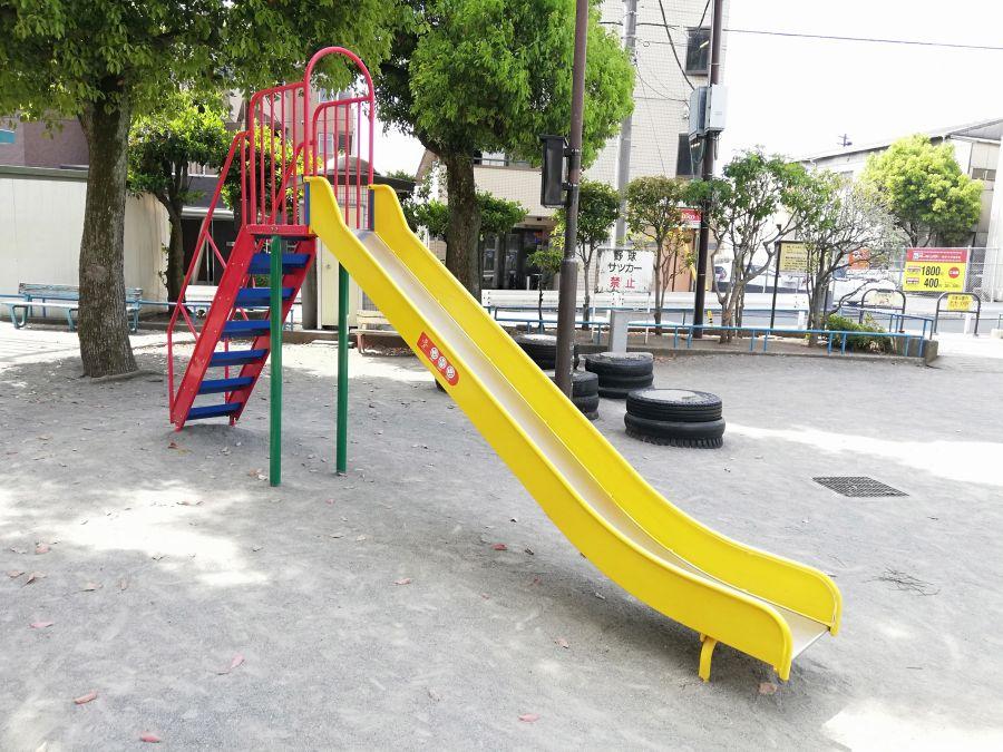 羽田五丁目児童公園 すべり台