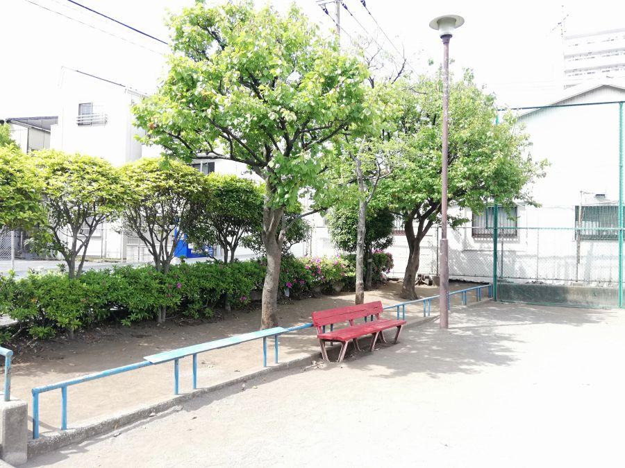 羽田五丁目児童公園 ベンチ