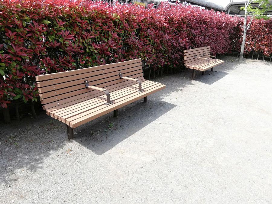 旭つばさ児童公園 ベンチ
