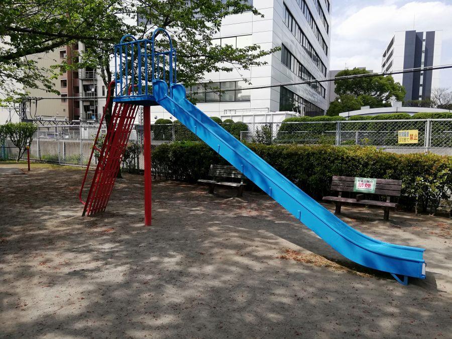 羽田一丁目児童公園 すべり台