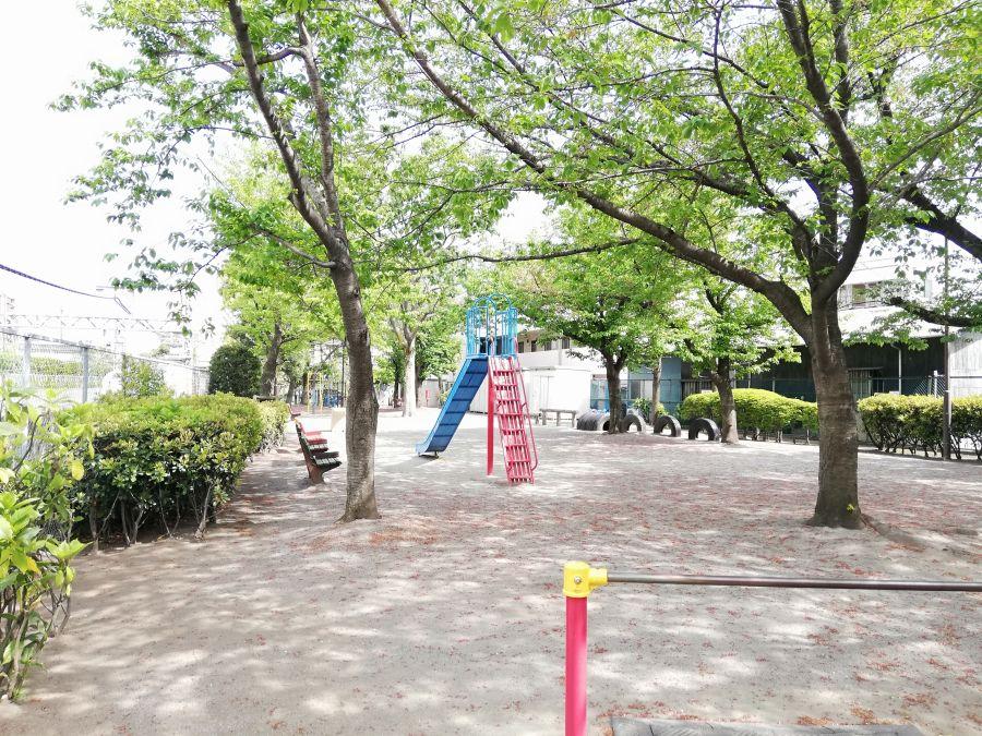 羽田一丁目児童公園 園内